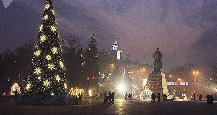Новогоднее оформление в городе Алматы
