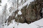 Заснеженные скалы. Архивное фото