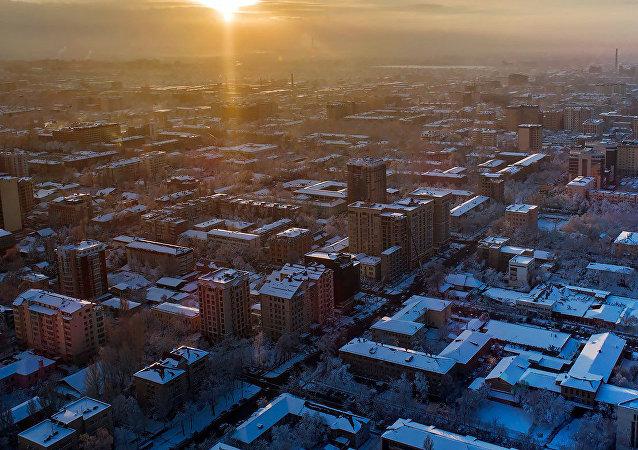 Бишкек шаарындагы имараттар. Архивдик сүрөт