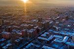 Вид на город Бишкек во время заката. Архивное фото