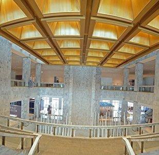 Вид изнутри на государственный исторический музей КР после реконструкции. Архивное фото
