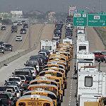 В сентябре 2005 года на штат Техас надвигался ураган 5-й категории Рита. Население спешно эвакуировалось и выбрало для выезда самую популярную магистраль I-45, проходящую через весь штат. В считанные часы образовалась пробка в 160 километров. Несмотря на то, что водителям пришлось простоять в заторе 48 часов, тратя нервы, эта массовая эвакуация спасла много жизней.