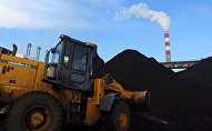 Разгрузка угля на ТЭЦ Бишкека. Архивное фото