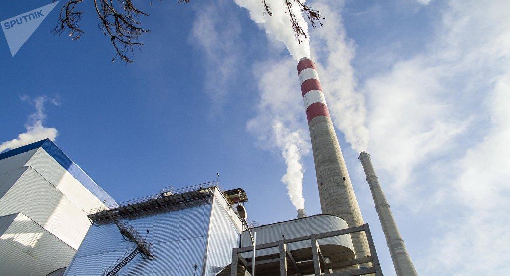 Трубы Бишкекского теплоэлектроцентраля. Архивное фото