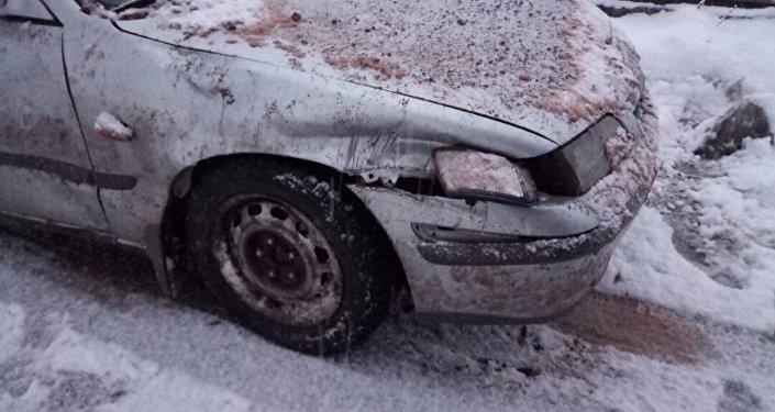 В МЧС сообщили, что в 18.20 13 января на 401 километре автодороги Бишкек — Ош (город Кара-Куль) сошло более 250 кубометров каменной массы