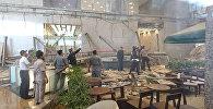 Обрушение внутреннего балкона в здании фондовой биржи в Джакарте
