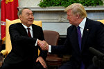 Президенты США и Казахстана Дональд Трамп и Нурсултан Назарбаев во время встречи в Белом доме в Вашингтоне, США, 16 января 2018 года