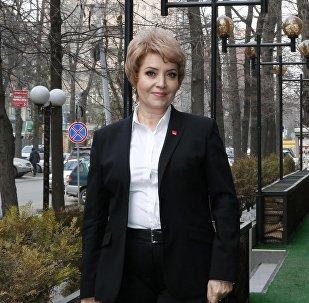 Кандидат медицинских наук Татьяна Дементьева во время фотосета