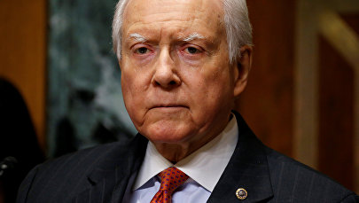 Председатель Финансового комитета Сената Оррин Хэтч