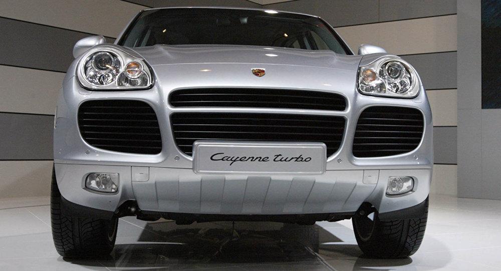 Авто Porsche Cayenne/ Fh[bdyjt ajnj