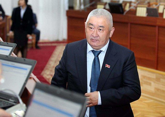 Депутат Зарылбек Рысалиевдин архивдик сүрөтү