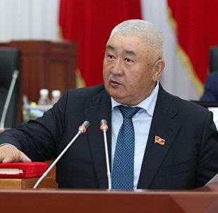 ИИМдин мурдагы башчысы, азыркы депутат Зарылбек Рысалиев. Архивдик сүрөт