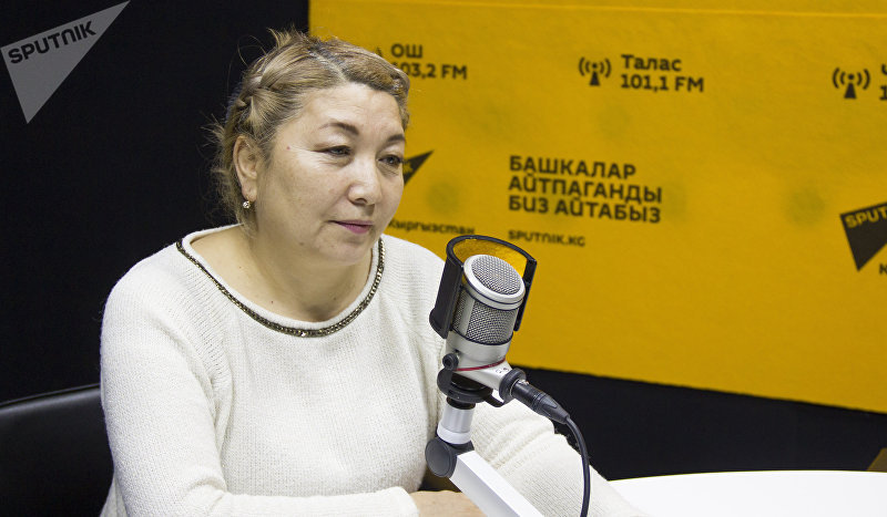 Режиссер и продюсер проекта Сармерден Сагын Ниязалиева во время интервью Sputnik Кыргызстан