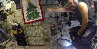 Российский космонавт рассекает по МКС на пылесосе — видео