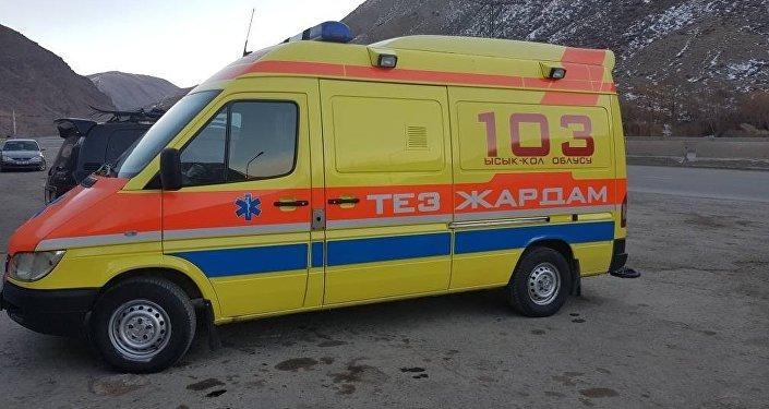 Жеке ишкер Мирлан Исагалиев Каракол шаарындагы Ысык-Көл облустук бириккен ооруканасына Тез жардам автоунаасын тапшырды