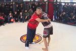 Хабибдин атасы Оштогу мушкерлерге UFC чемпиону болуунун сырларын үйрөттү. Видео