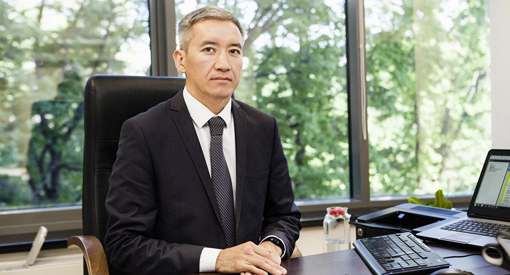 Экс-вице-премьер Эркин Асрандиев. Архивное фото