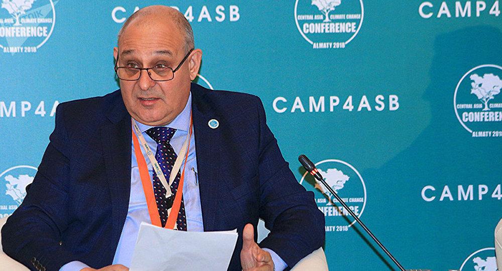 Исполнительный директор Регионального экологического центра Центральной Азии (РЭЦЦА) Искандар Абдуллаев. Архивное фото