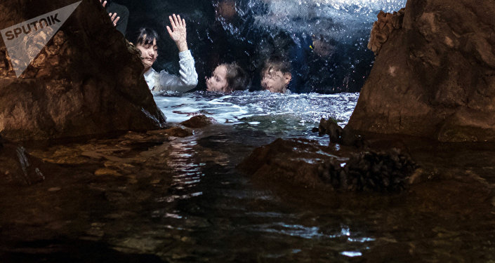 Дети в воде. Архивное фото