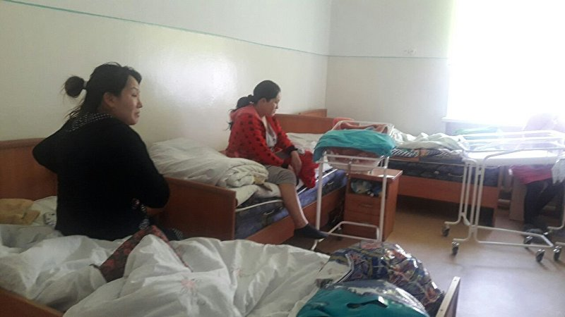 Женщины в №1 городском родильном доме в Бишкеке
