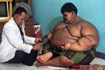 Самый толстый мальчик в мире, 12-летний житель острова Ява (Индонезия) Арья Пермана
