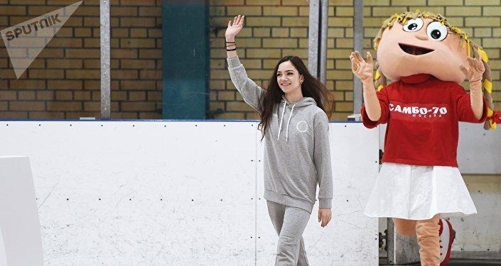 Фигуристка Евгения Медведева на торжественных проводах на зимние Олимпийские игры 2018 в Пхенчхане