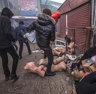 Последствия крупного пожара на территории Ошского рынка в Бишкеке