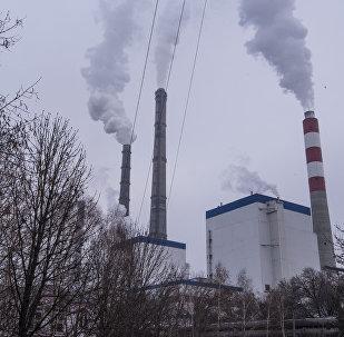 Дымовые трубы ТЭЦ Бишкека. Архивное фото