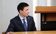 Глава Нацэнергохолдинга Айбек Калиев во время заседания в ЖК