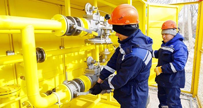Подача газа в жилой массив Колмо в Бишкеке