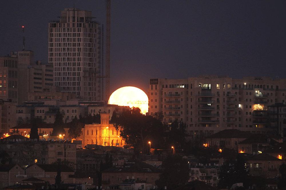 Затмение Суперлуны в разных уголках планеты — Иерусалим