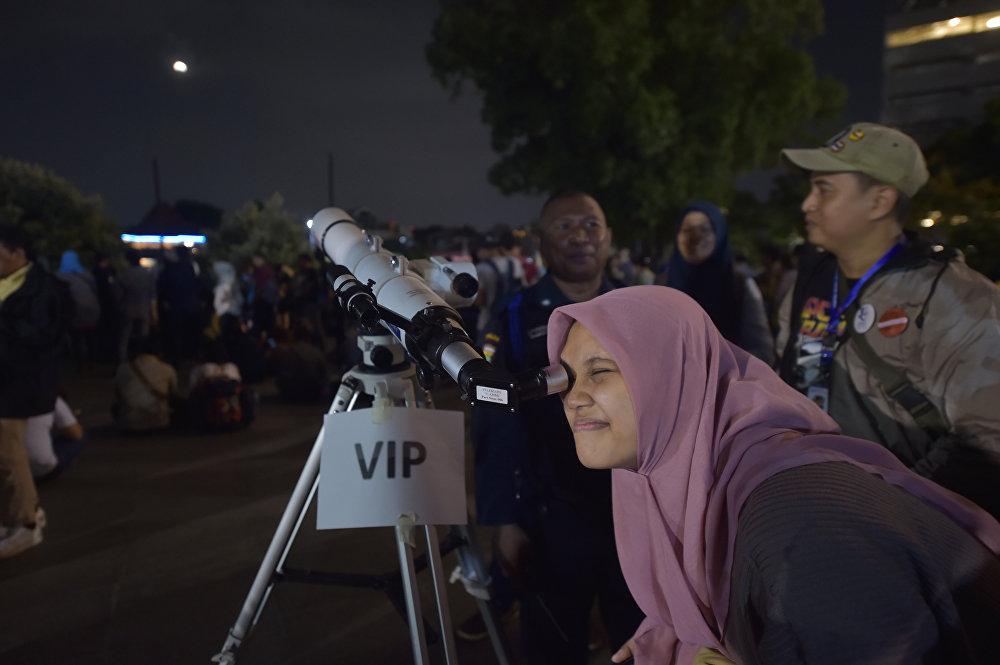 Затмение Суперлуны в разных уголках планеты — Индонезия