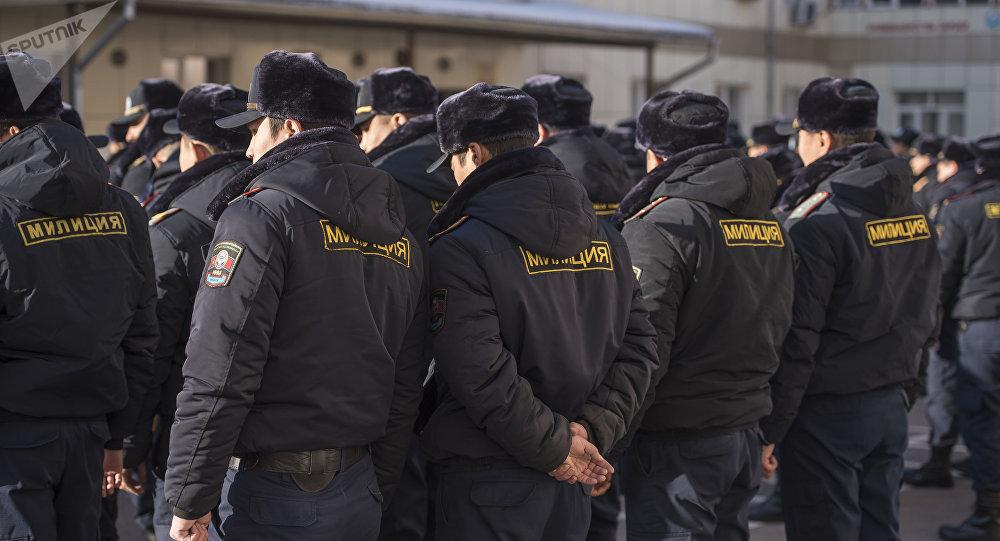 Милиция кызматкерлери. Архивдик сүрөт