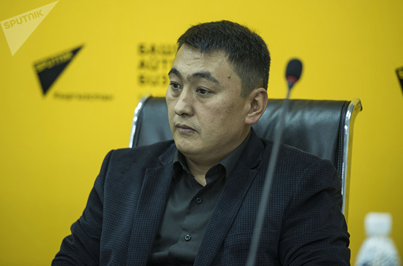 Директор ТЭЦ Бишкека Нурлан Омуркул уулу на пресс-конференции в мультимедийном центре Sputnik Кыргызстан