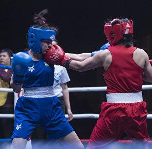 Бишкекте Дүйшөнкул Шопоковдун элесине арналган кыздар жана эркектер арасында бокс боюнча эл аралык турнир