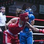 Некоторые удары девушек-боксеров сотрясали только воздух
