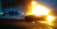 Бишкекте машина өрттөнүп кетти. Видео