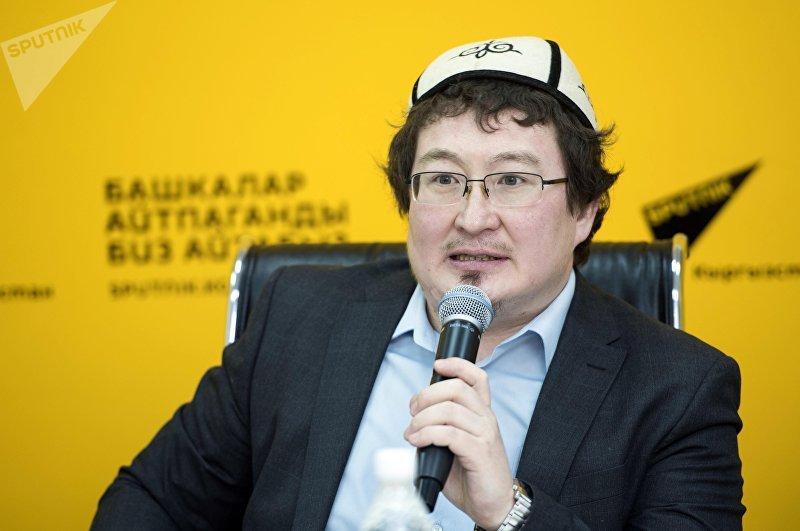 Член Совета улемов республики теолог Кадыр Маликов в ходе видеомоста в Sputnik Кыргызстан