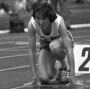 СССР спортунун эмгек сиңирген чебери, жеңил атлетика боюнча Олимпиада чемпиону Мария Жумабай кызынын архивдик сүрөтү
