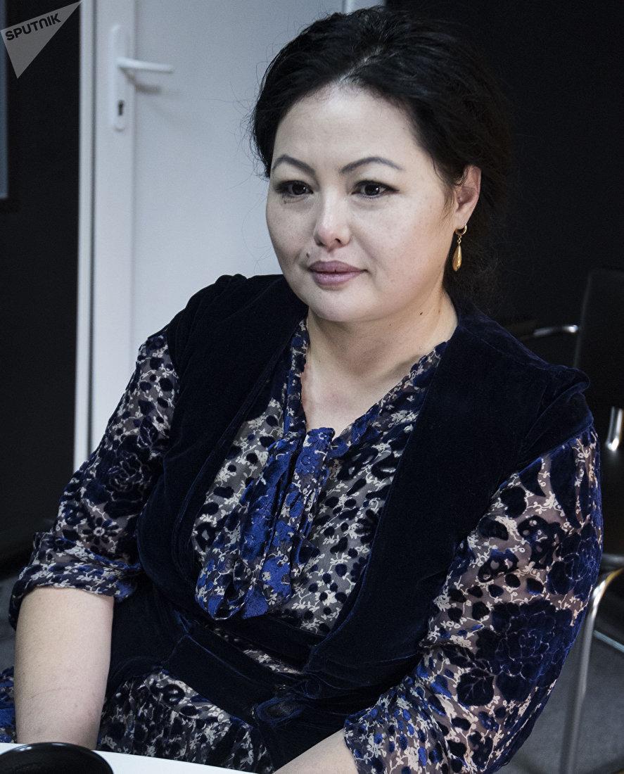 Журналист, продюсер телеканала Маданият, тарых, тил Назира Аалы кызы во время интервью Sputnik Кыргызстан