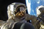 Роскосмостун космонавттары Антон Шкаплеров менен Александр Мисуркин ачык космосто 8 саат 12 мүнөт жүрүп, рекорд коюшту