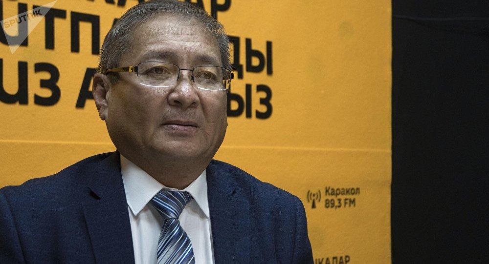 Начальник управления дошкольного, школьного и внешкольного образования Минобраз КР Марат Усеналиев