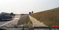 Водитель уснул за рулем на скорости 130 км/ч — видео из Венгрии