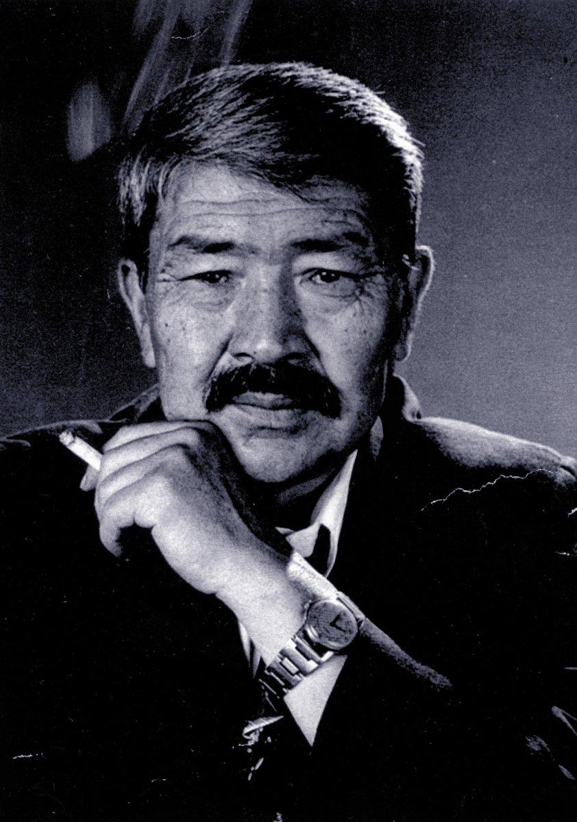 Депутат парламента, известный кинорежиссер и народный артист КР Дооронбек Садырбаев
