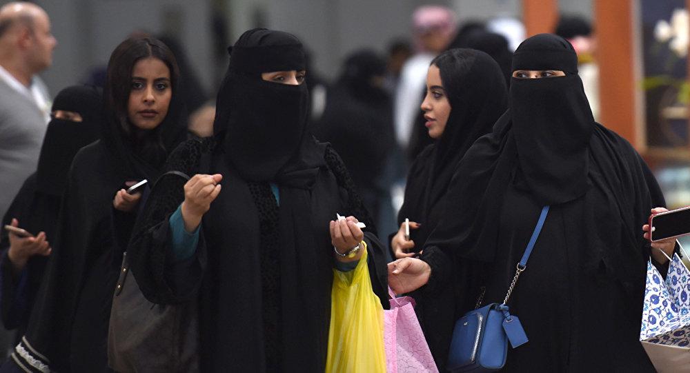 Хиджаб кийген аялдар. Архив