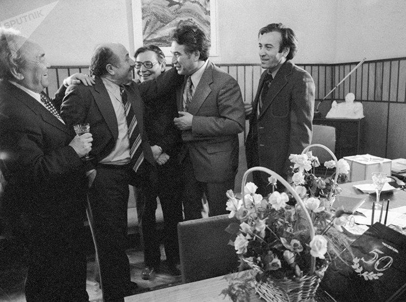 Ходжикули Нарлиев, Давид Кугультинов, Кайсын Кулиев и Чингиз Айтматов