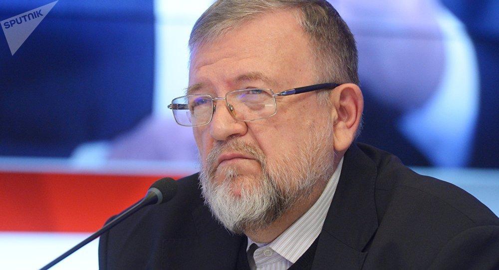 Бывший министр по делам национальностей РФ, доктор политических наук Владимир Зорин. Архивное фото