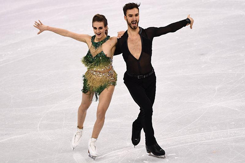 Фигуристы из Франции Габриэлла Пападакис и Гийом Сизерон во время выступления на Олимпийских играх в Южной Корее