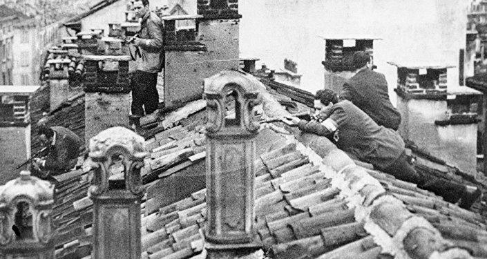 Француз каршылыгындагы аскерлер. Архивдик сүрөт