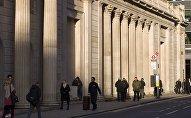Люди на улице в Лондоне. Архивное фото